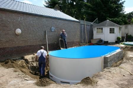 Stalen wand ingegraven van a tot z for Stalen zwembad inbouwen