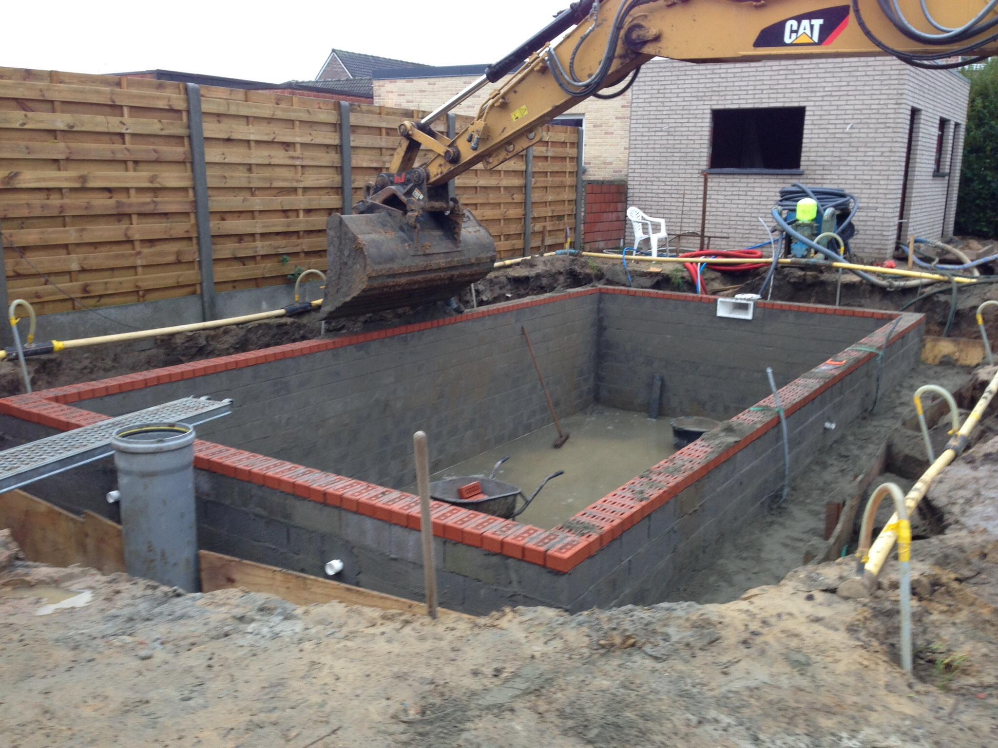 Aanleg gemetst zwembad zwembad forum for Ondervloer zwembad